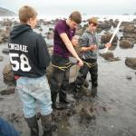 Port Orford middle school students doing intertidal surveys